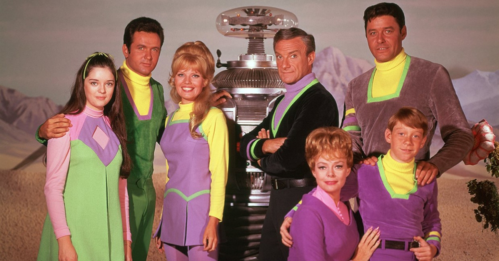 rue8s-1462976369-379-lists-lostinspace_main_cast_1200