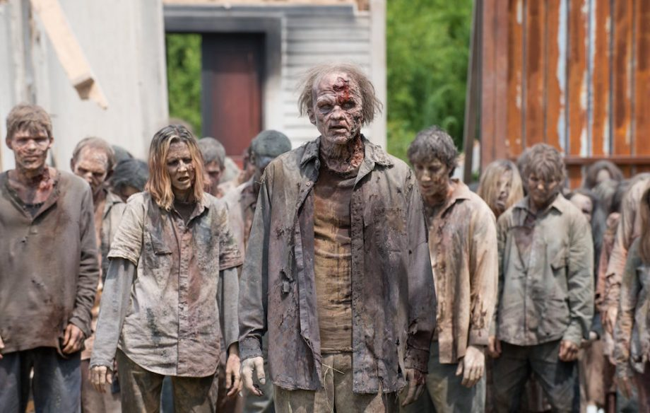 the-walking-dead-zombies-920x584