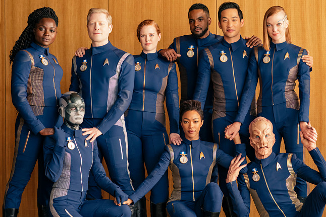 star-trek-discovery-bridge-crew