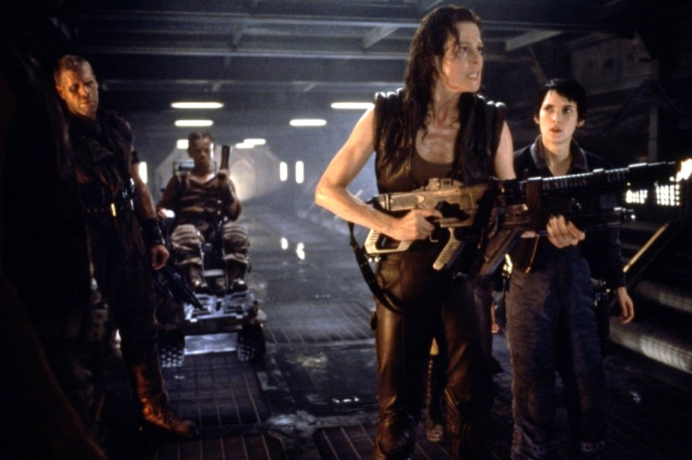 7776665801_sigourney-weaver-au-premier-plan-ici-en-1997-dans-alien-la-resurrection-a-joue-dans-les-quatre-films-de-la-saga-alien